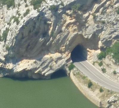 20100729110547-tunel-2.jpg