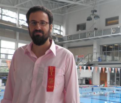 20111001023407-swimming.jpg